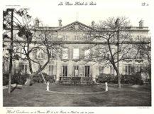 Plansza numer 34 - Fasada hotelu od strony ogrodu.