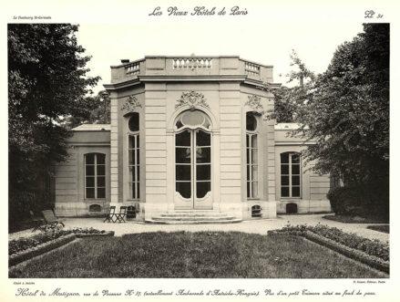 Plansza numer 31 - Widok na mały Trianon usytuowany na początku parku.
