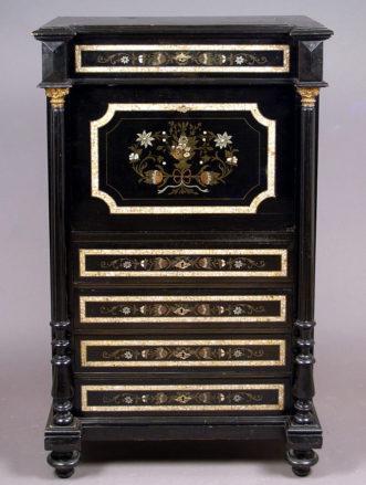 okleiny mahoń i heban, inkrustacja z blachy miedzianej, cyny i masy perłowej, Austria, około 1880 r.
