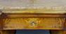 okleiny orzechowe, intarsje z różnych gatunków drewna, snycerka, mosiężne okucia, kon. XIX w.