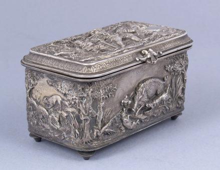 brąz srebrzony, cyzelowany, koniec XIX w.