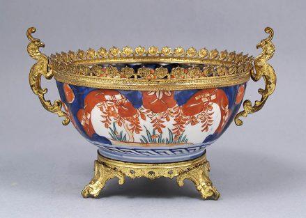 Porcelana okuta złoconym mosiądzem. Początek XX w.