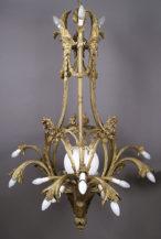 Żyrandol w stylu Ludwika XVI